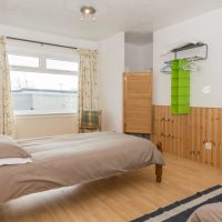 Coed Cottages Tyn Lon twin bedroom